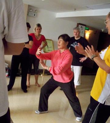 Tai Chi mit Meisterin Jian Guijan in China